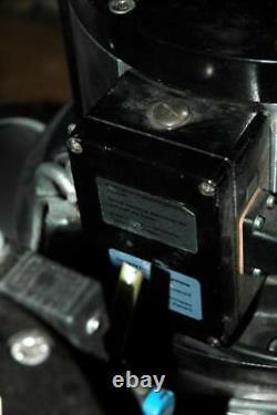 Inficon Leybold Balzers VAP-250 VAP250-800 Vacuum Right Angle Valve