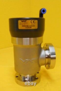 VAT 28332-GE11-0002 Pneumatic Right Angle Vacuum Valve UHV Used Working